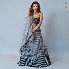 designer look lehnga choli Pakistani Lehenga, Black Lehenga, Bollywood Lehenga, Bridal Lehenga Choli, Silk Lehenga, Sabyasachi, Bollywood Fashion, Silk Dupatta, Bollywood Style