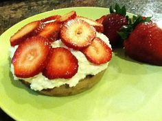 Waffle with Strawberry-Ricotta Cream: This adorable and yummy recipe is a healthful play on strawberry shortcake. A whole grain waffle replaces the fat-laden biscuit, and sweetened part-skim ricotta stands in for whipped heavy cream. What's For Breakfast, Breakfast Dishes, Breakfast Recipes, Dessert Recipes, Desserts, Healthy Treats, Healthy Recipes, Healthy Breakfasts, Joy Bauer Recipes