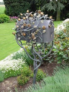 My Curb Appeal Plans: Beautiful Mailboxes, Mailbox Posts, and Mailbox Landscaping - Addicted 2 Decorating® Mailbox Garden, Diy Mailbox, Mailbox Landscaping, Mailbox Post, Mailbox Ideas, Landscaping Ideas, Funny Mailboxes, Unique Mailboxes, Custom Mailboxes