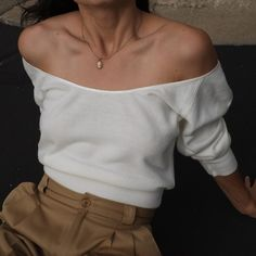 SOLD Vintage 50-60s incredible wool scoop neck ivory sweater, best fits xs-s. Rare find. DM or comment for details. $68 + shipping.