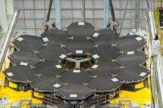 James Webb űrteleszkóp. Fotó: NASA. Forrás: http://index.hu/tudomany/2016/04/30/james_webb_urteleszkop/