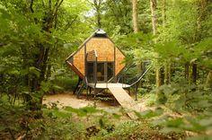 matali crasset, Le Nichoir, first feral house, le Vent des forêts, credit photograph : Lucas Fréchin