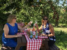 The View Winery in Kelowna is known for the Pinotage Wines, new Pinot Noir and Pearls Traditional Brut releases, AR Labels and a new picnic area, Cheese And Wine Tasting, Wine And Cheese Party, Wine Cheese, Wine Parties, Parties Food, Red Grapes, Italian Wine, Picnic Area, Pinot Noir