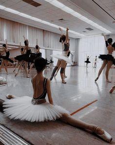 5669 Likes 10 Comments Ballet Club balletclub