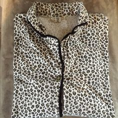 Victoria Secret Cheetah Pajamas Perfect condition print is no longer available the inseam is 25in in the pants Victoria's Secret Intimates & Sleepwear Pajamas