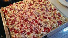 Spaghetti-Blechkuchen, ein raffiniertes Rezept aus der Kategorie Kuchen. Bewertungen: 68. Durchschnitt: Ø 4,5.