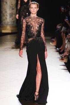 Elie Saab - Otoño Invierno 2012/2013 Alta Costura París  (I hope my future life entails me going to events where i can wear this)