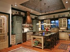Luxury Kitchens Gorgeous and extensive country kitchen designs. Extensive search options to find exactly what you're looking for. - Gorgeous and extensive country kitchen designs. Extensive search options to find exactly what you're looking for. Country Kitchen Cabinets, Country Kitchen Designs, Rustic Kitchen Design, Luxury Kitchen Design, Best Kitchen Designs, Luxury Kitchens, Cool Kitchens, Home Interior Design, Kitchen Decor