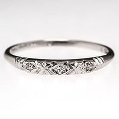 Art Deco Wedding Band Ring w/ Diamonds in Platinum - not that I am getting married but this is pretty.