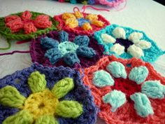 colour in a simple life: Puffed Daisy Hexagon, just beautiful!