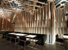 Sake No Hana - Doesn't even come close to the original Hakkensen restaurants. Restaurant Lighting, Restaurant Bar, Sake No Hana, Japanese Bar, Accent Wall Designs, Japanese Interior, Restaurant Interior Design, Chinese Restaurant, Ceiling Design