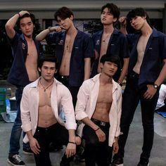 My engineer the series 👬❤ BhonDuen 💙 Cooper Patpasit Korean Boys Hot, Asian Boys, Asian Men, Kim Wo Bin, Abs Boys, Drama Funny, Actors Images, Cute Gay Couples, Thai Drama