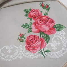 Cross Stitch Rose, Cross Stitch Charts, Cross Stitch Designs, L Love You, Bargello, Embroidery Designs, Shabby Chic, Design Inspiration, Runner