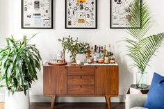 Photos by Sean Litchfiel for Homepolish. I love this cozy little place! It's not cozy-cozy but rather classy cozy. With modern furnishing, pop art, and colors. The designer transformed the pl…