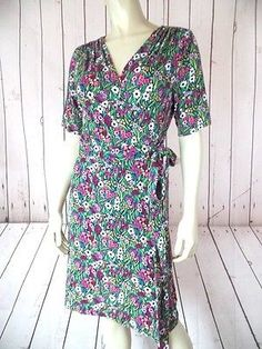 LILLY PULITZER Wrap Dress M Rayon Stretch Knit Floral Short Sleeves SUMMER CHIC!