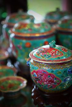 """Green """"Peranakan"""" porcelain from the Straits Settlements of Malaya."""
