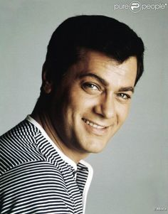tony curtis - Recherche Google Tony Curtis, Jamie Lee Curtis, Roger Moore, Hollywood Couples, Hollywood Men, Classic Hollywood, Beautiful Men Faces, Gorgeous Men, Famous Men