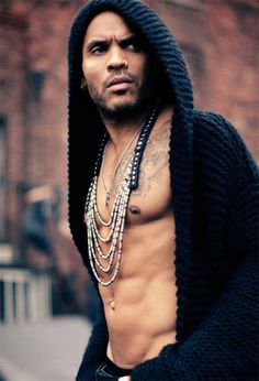 Lenny Kravitz... I love this man he is so hot he makes my heartbeat race just looking at his perfection.