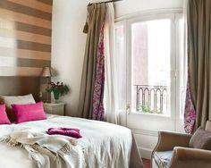 22 wunderschöne Ideen für dekorative Vorhänge zu Hause - gestrifte wand verzierungen rosa kissen gardienen vorhänge schlafzimmer