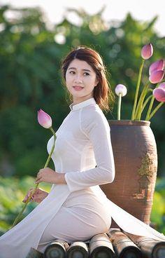 Desi sexy bhabhi,bhabhi ki sex chat,hot boudi,Check out hot videos here- -> Vietnamese Traditional Dress, Vietnamese Dress, Image Beautiful, Beautiful Asian Women, Ao Dai, Burmese Girls, Vietnam Girl, Sexy Asian Girls, Asian Woman