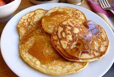 Pancakes légers à 1 SP , de délicieux pancakes ultra-légers sans matière grasse, facile à faire pour le petit-déjeuner ou le goûter.