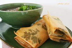 Learn how to make gorgeous phyllo dough pies with herbs that look like art!  http://2via.me/KmCPL9pD11