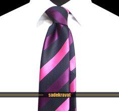 Fuşya Mor Lacivert Çizgili Orta İnce Kravat 5581 7 cm. Orta İnce Stil, Mikro Kumaş... www.sadekravat.com/fusya-mor-lacivert-cizgili-orta-ince-kravat-5581 #kravatım #kravatmodelleri #tie #tieoftheday #pocketsquare #örgükravat #ketenkravat #ipekkravat #slimkravat #ortaincekravat #incekravat #gömlek #ceket #mendil #kravatmendilkombin #ofis #bursa #türkiye #çizgilikravat #şaldesenlikravat #ekoselikravat #küçükdesenlikravat #düzkravat #sadekravat