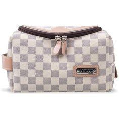 0fc64c3ba A necessaire é indicada para carregar na bolsa, nela você pode colocar um  pouco de