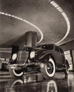 klappersacks: 1937 Chrysler Airflow sedán de Cuatro Puertas en la Exhibición en la Sala de Exposiciones del edificio Chrysler, de Nueva York ...