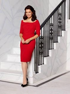 Mellie Season 4 Scandal cast photo.  Lady in red!