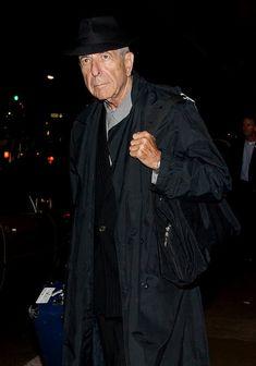 Leonard Cohen Photos Photos - Leonard Cohen arrives at LAX (Los Angeles International Airport). - Leonard Cohen at LAX