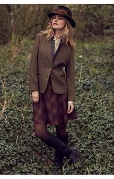 Hollyburn skirt idea worn with Tweed jacket. Really Wild Co. English Country Fashion, British Country Style, Country Wear, Country Outfits, Fall Outfits, Cute Outfits, Street Style Vintage, Mode Vintage, Countryside Fashion