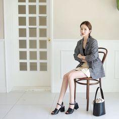 #envylook Single-Breasted Heathered Jacket #koreanfashion #koreanstyle #kfashion #kstyle #stylish #fashionista #fashioninspo #fashioninspiration #inspirations #ootd #streetfashion #streetstyle #fashion #trend #style