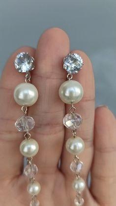 Diy Earrings Pearl, White Earrings, Bridal Earrings, Crystal Earrings, Dangle Earrings, Wedding Accessories, Wedding Jewelry, Beaded Jewelry, Beaded Bracelets