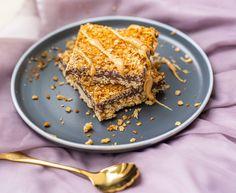 Es ist schon ein bisschen länger her, dass ich ein Haferflocken-Rezept veröffentlicht habe. Das liegt vielleicht daran, dass ich im Moment eher davon übersättigt bin. Aber nach meinen easy peasy Haferflocken-Keksen kommt jetzt die Haferflocken-Schnitte. Applaus bitte! Diese ist nicht ganz so gesund, denn es haben auch Zucker, Butter und Schokolade einen wesentlichen Part in… Der Beitrag Haferflocken-Schnitte   No Bake mit Schokolade erschien zuerst auf Pipifein. Moment, French Toast, Dessert, Breakfast, Easy, Food, Oats Recipes, Chocolate, You're Welcome