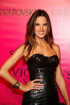 Stunning Alessandra Ambrosio in black strapless corset dress.