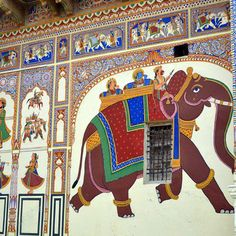 Visiting the Shekhawati region in Rajasthan? Plan your trip to the Shekhawati havelis, known as the world's largest open air gallery, with this guide. Mughal Architecture, Art And Architecture, Rajasthani Art, India Holidays, A Level Art, Indian Art, Travel Guide, Folk Art, Art Gallery