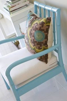 Chic and Cheap Lifestyle: Febore And After Faux Bamboo Chairs / Antes Y Después Sillas De Imitacion de Bambú