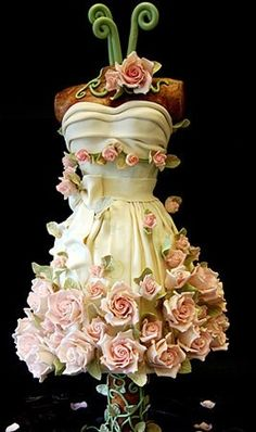 Sweet 16 Party Dress Cake by Pink Cake Box in Denville, NJ. Gorgeous Cakes, Pretty Cakes, Cute Cakes, Amazing Cakes, Gorgeous Dress, Unique Cakes, Creative Cakes, Creative Food, Wedding Shower Cakes