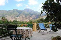 Fotos de Casa Sombrero pico - Casa rural en El Paso (Santa Cruz de Tenerife) http://www.escapadarural.com/casa-rural/santa-cruz-de-tenerife/casa-sombrero-pico/fotos#p=52355e8b0b2b5