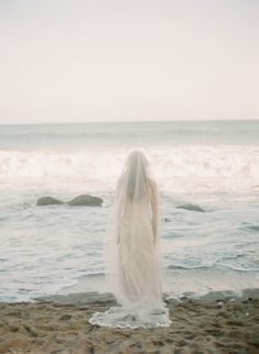 Ethereal beach wedding inspiration | Wedding Sparrow