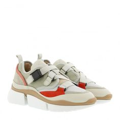 Chloé Sonnie Low Top Sneaker Light Eucalyptus in beige Chloe, Huaraches, Nike Huarache, Baby Shoes, Sneakers Nike, Beige, Clothes, Products, Fashion