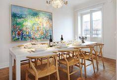 idee-deco-salle-manger-tableau-aquarelle-table-blanche-chaises-bois-clair.jpg (800×551)