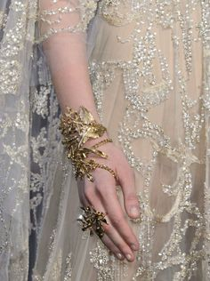 Elie Saab Haute Couture Fall 2015 Details  at 柔