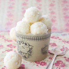 I+Quit+Sugar+-+Coconut+Truffles