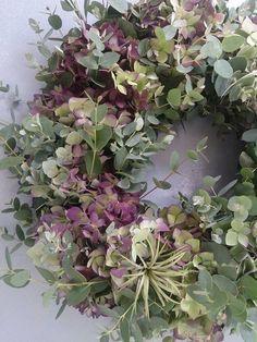 Eucalyptus & hydrangea wreath would be nice on my old door this summer! - Eucalyptus & hydrangea wreath would be nice on my old door this summer! Christmas Door Wreaths, Autumn Wreaths, Spring Wreaths, Holiday Wreaths, Corona Floral, Raindrops And Roses, Wreaths And Garlands, Ribbon Wreaths, Yarn Wreaths