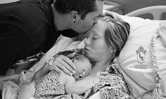 Photographer takes heartbreaking photos of stillborn baby for family #DailyMail