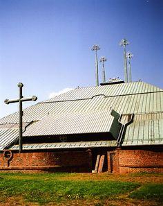 Kościół Ducha Św., arch. Stanisław Niemczyk, lata 70.   Foto. Janusz A. Włodarczyk ©