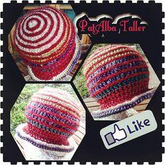 Gorrito psicodélico tejido a crochet con bordados 😆 #PatAlbaTaller #diseñodeautor #emprendedora #artesana #handmade #tejidos #crochet #confeccionapedido #regalounico