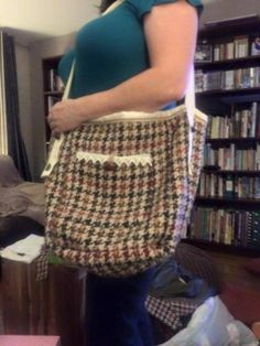 Large bag in houndstooth check - pure wool